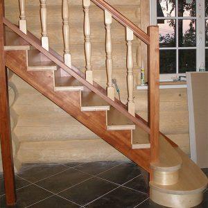 Деревянные лестницы на косоурах