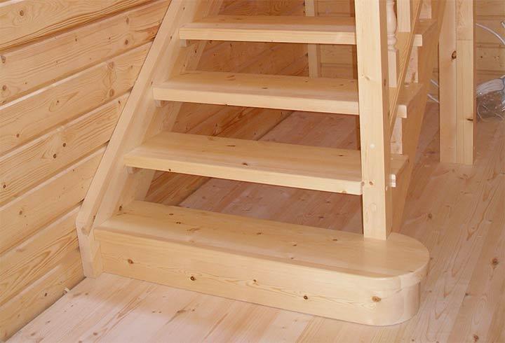 Изготовление деревянных лестниц из сосны