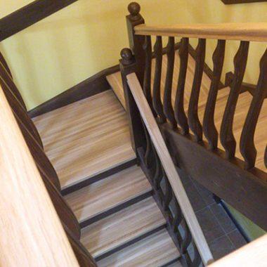 Деревянная лестница из дуба и березы